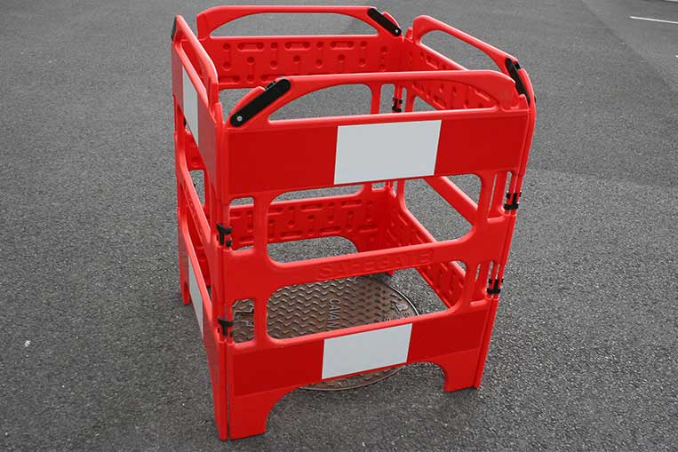 Safegate Plastic Barrier in 4 gate configuration