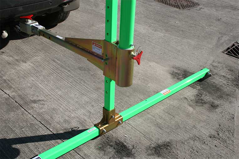 Davit Vehicle Hitch Mount close up